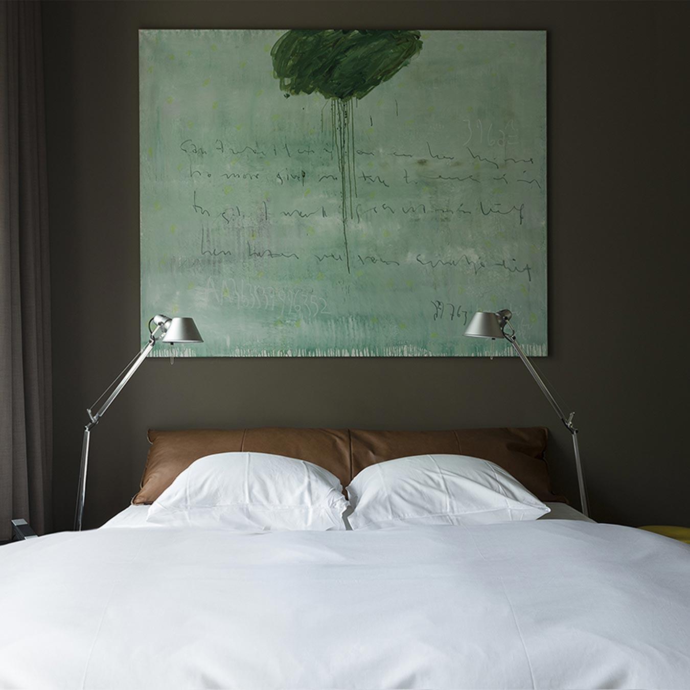 hotel kamer blue bed